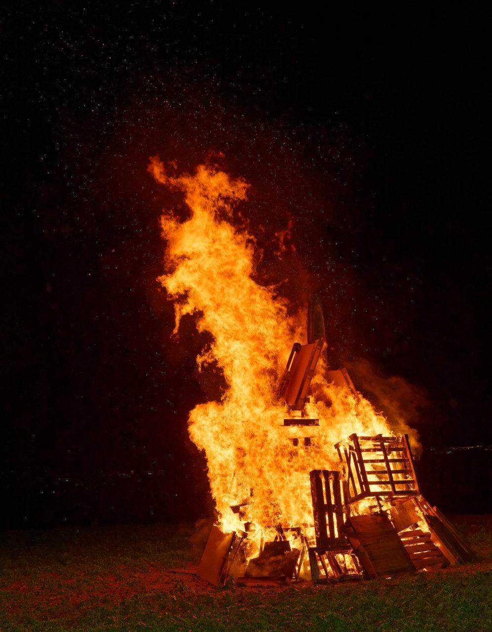 Sonnwendfeuer - Feuerwehr