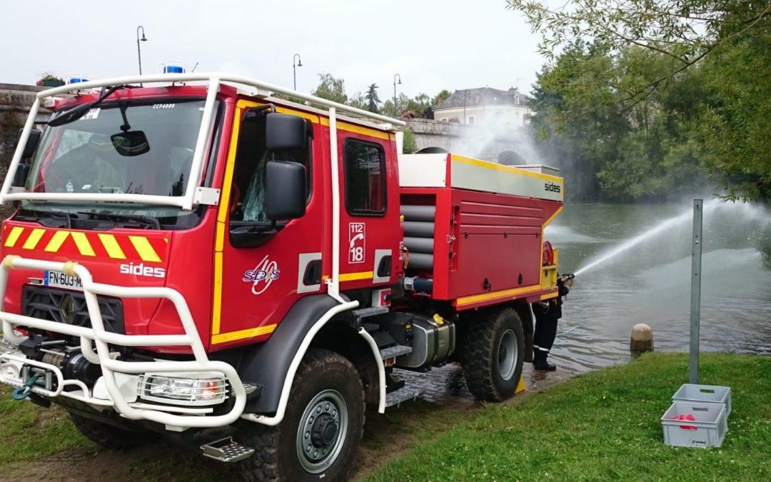 Neues Feuerwehrfahrzeug bei der befreundeten Wehr in Durtal